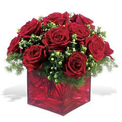 Bolu çiçek yolla  9 adet kirmizi gül cam yada mika vazoda