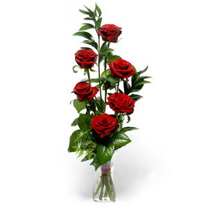 Bolu uluslararası çiçek gönderme  mika yada cam vazoda 6 adet essiz gül