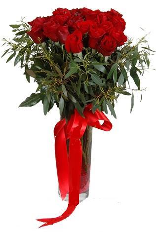 15 adet kirmizi gül cam vazo içerisinde  Bolu internetten çiçek satışı