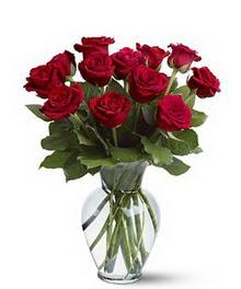 Bolu çiçek gönderme sitemiz güvenlidir  cam yada mika vazoda 10 kirmizi gül