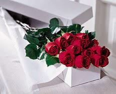Bolu çiçek satışı  özel kutuda 12 adet gül