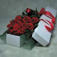Bolu online çiçek gönderme sipariş  11 adet gülden kutu