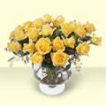 Bolu çiçekçi telefonları  11 adet sari gül cam yada mika vazo içinde