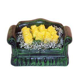 Seramik koltuk 12 sari gül   Bolu ucuz çiçek gönder