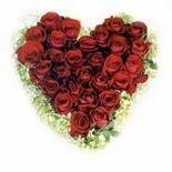 kalp biçiminde 15 gülden   Bolu güvenli kaliteli hızlı çiçek