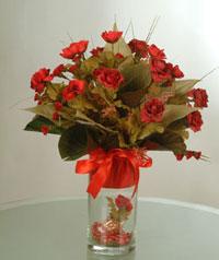 yapay güllerden vazo  9 gül  Bolu uluslararası çiçek gönderme