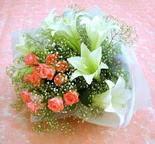 Bolu çiçek yolla  lilyum ve 7 adet gül buket