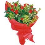 10 adet kirmizi gül buketi  Bolu çiçek yolla