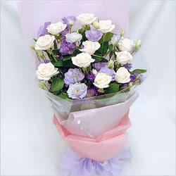 Bolu internetten çiçek satışı  BEYAZ GÜLLER VE KIR ÇIÇEKLERIS BUKETI