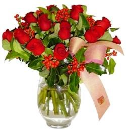 Bolu çiçekçi mağazası  11 adet kirmizi gül  cam aranjman halinde