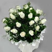 Bolu hediye çiçek yolla  11 adet beyaz gül buketi ve bembeyaz amnbalaj