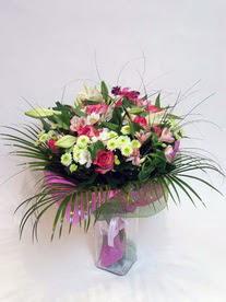 Bolu hediye çiçek yolla  karisik mevsim buketi mevsime göre hazirlanir.