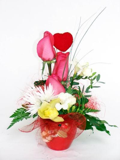 Bolu ucuz çiçek gönder  cam içerisinde 3 adet gül ve kir çiçekleri