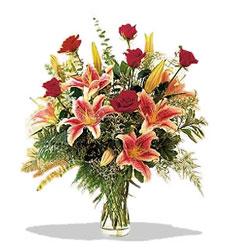 Bolu çiçek servisi , çiçekçi adresleri  Pembe Lilyum ve Gül