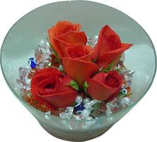 Bolu 14 şubat sevgililer günü çiçek  5 adet gül ve cam tanzimde çiçekler