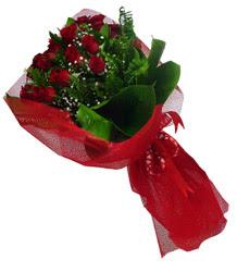 Bolu çiçek gönderme sitemiz güvenlidir  10 adet kirmizi gül demeti