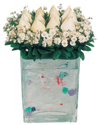 Bolu çiçekçi mağazası  7 adet beyaz gül cam yada mika vazo tanzim