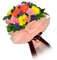 Bolu çiçekçi mağazası  Karisik mevsim çiçeklerinden demet