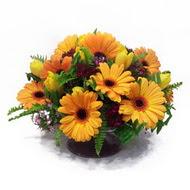 gerbera ve kir çiçek masa aranjmani  Bolu çiçek siparişi vermek