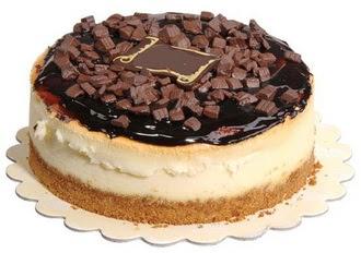 pasta yolla 4 ile 6 kisilik çikolatali yas pasta  Bolu online çiçek gönderme sipariş