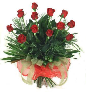 Çiçek yolla 12 adet kirmizi gül buketi  Bolu güvenli kaliteli hızlı çiçek