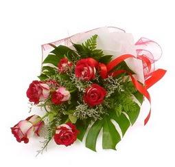 Çiçek gönder 9 adet kirmizi gül buketi  Bolu çiçek siparişi vermek