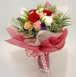 Karisik renklerde 11 adet gül buketi  Bolu çiçek gönderme