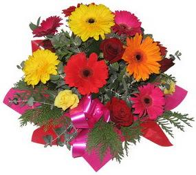 Karisik mevsim çiçeklerinden buket  Bolu hediye sevgilime hediye çiçek