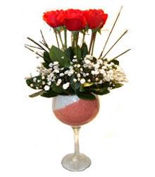 Bolu çiçekçiler  cam kadeh içinde 7 adet kirmizi gül çiçek