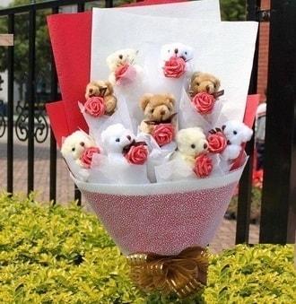 Bolu çiçek siparişi vermek  9 adet ayicik ve 9 adet yapay gül