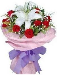 9 adet kirmizi gül 1 adet kazablanka buketi  Bolu çiçekçi mağazası