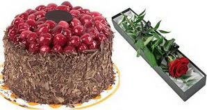 1 adet yas pasta ve 1 adet kutu gül  Bolu uluslararası çiçek gönderme