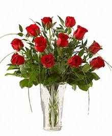 cam yada mika vazo içerisinde 9 kirmizi gül  Bolu çiçek siparişi sitesi