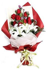Bolu hediye çiçek yolla  9 adet gül 2 adet kazablanka buketi