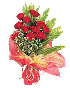 Bolu İnternetten çiçek siparişi  11 adet kırmızı güllerden buket modeli