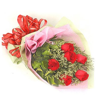 Bolu çiçek , çiçekçi , çiçekçilik  6 adet kırmızı gülden buket