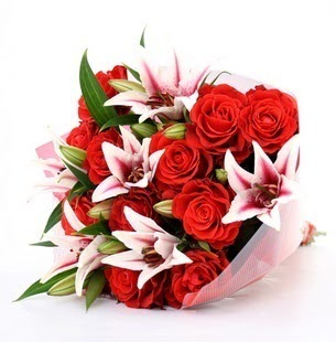 Bolu çiçek siparişi vermek  3 dal kazablanka ve 11 adet kırmızı gül