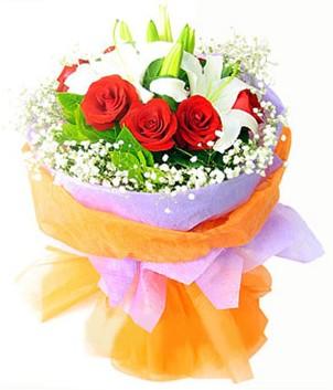 Bolu çiçek gönderme sitemiz güvenlidir  1 dal kazablanka 7 adet kırmızı gül buketi
