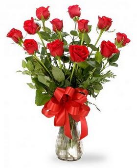 Bolu çiçek , çiçekçi , çiçekçilik  12 adet kırmızı güllerden vazo tanzimi