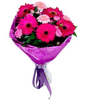 Bolu çiçek siparişi sitesi  karışık gerbera çiçeği buketi