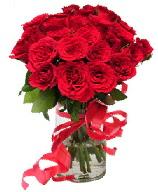 21 adet vazo içerisinde kırmızı gül  Bolu çiçek satışı