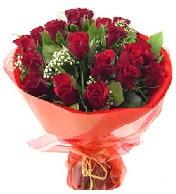 12 adet görsel bir buket tanzimi  Bolu çiçek siparişi vermek