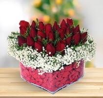 15 kırmızı gülden kalp mika çiçeği  Bolu çiçek satışı