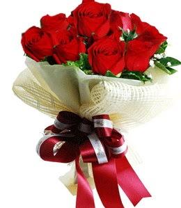9 adet kırmızı gülden buket tanzimi  Bolu çiçek gönderme sitemiz güvenlidir