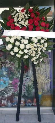 Cenaze çiçeği cenaze çiçek modelleri  Bolu çiçek siparişi sitesi