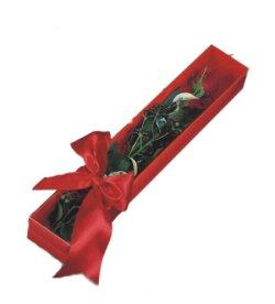 Bolu çiçek online çiçek siparişi  tek kutu gül sade ve sik