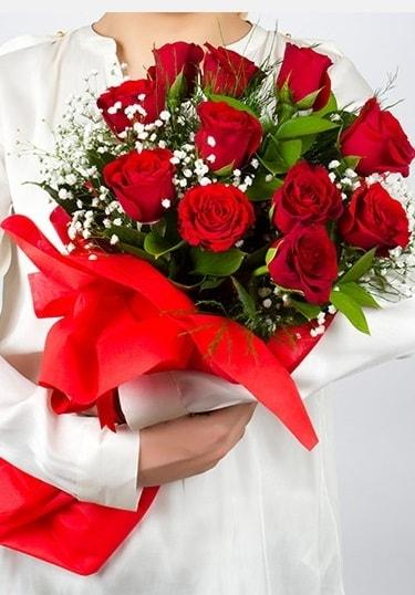 Aşk Gülleri 11 Adet kırmızı gül buketi  Bolu çiçekçi telefonları