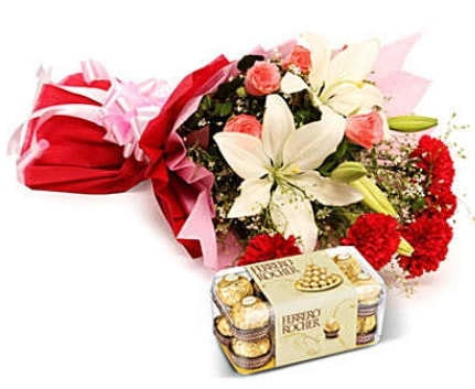 Karışık buket ve kutu çikolata  Bolu çiçek , çiçekçi , çiçekçilik