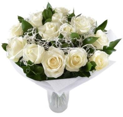 15 beyaz gül buketi sade aşk  Bolu çiçek satışı