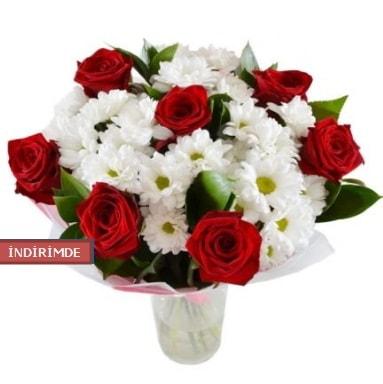7 kırmızı gül ve 1 demet krizantem  Bolu çiçek gönderme sitemiz güvenlidir